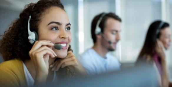 Mejora y digitalización de la experiencia del cliente en servicios financieros